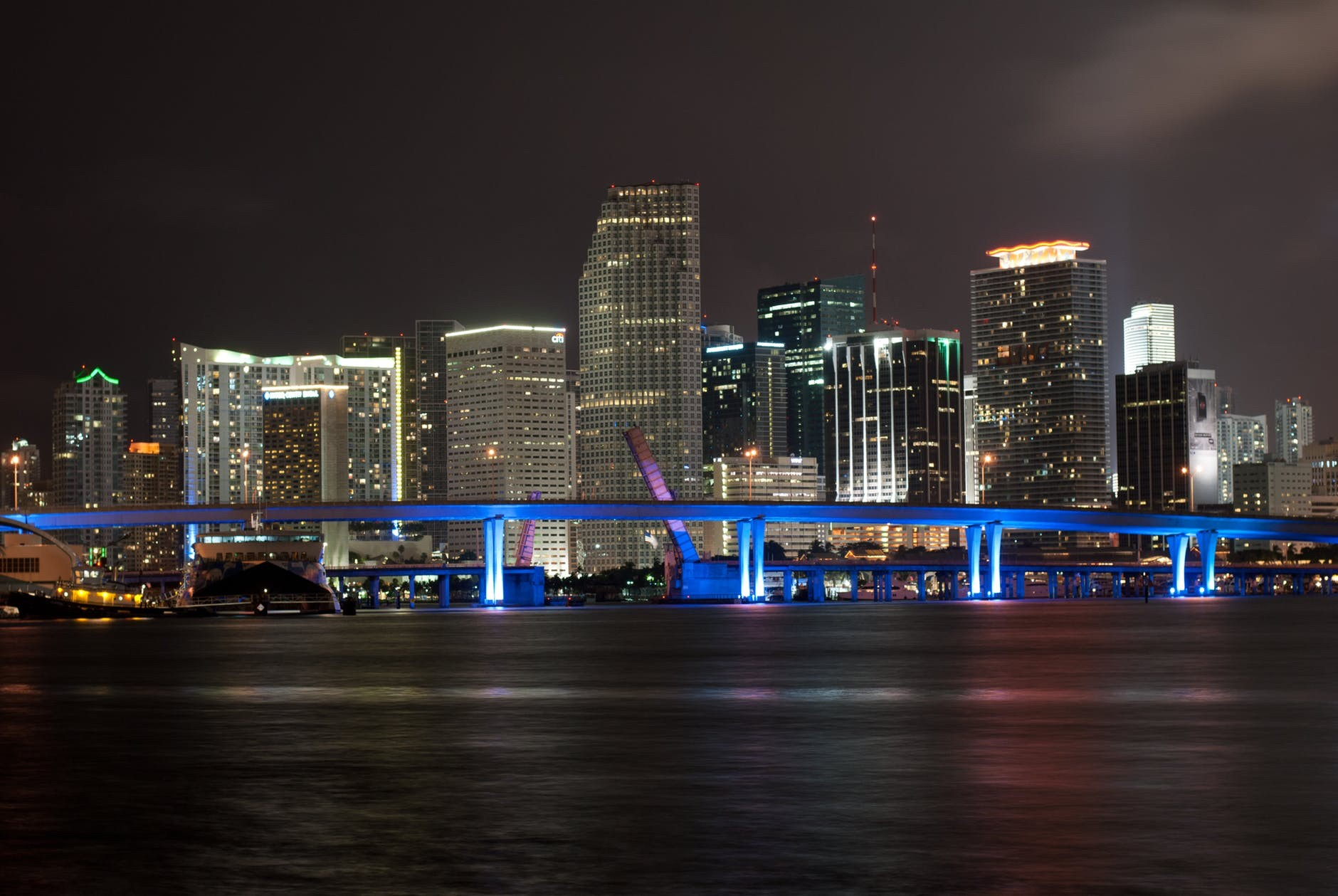 Flight Deal Round Trip From Chicago Area to Miami Area #chicago #miami #extendedweekend