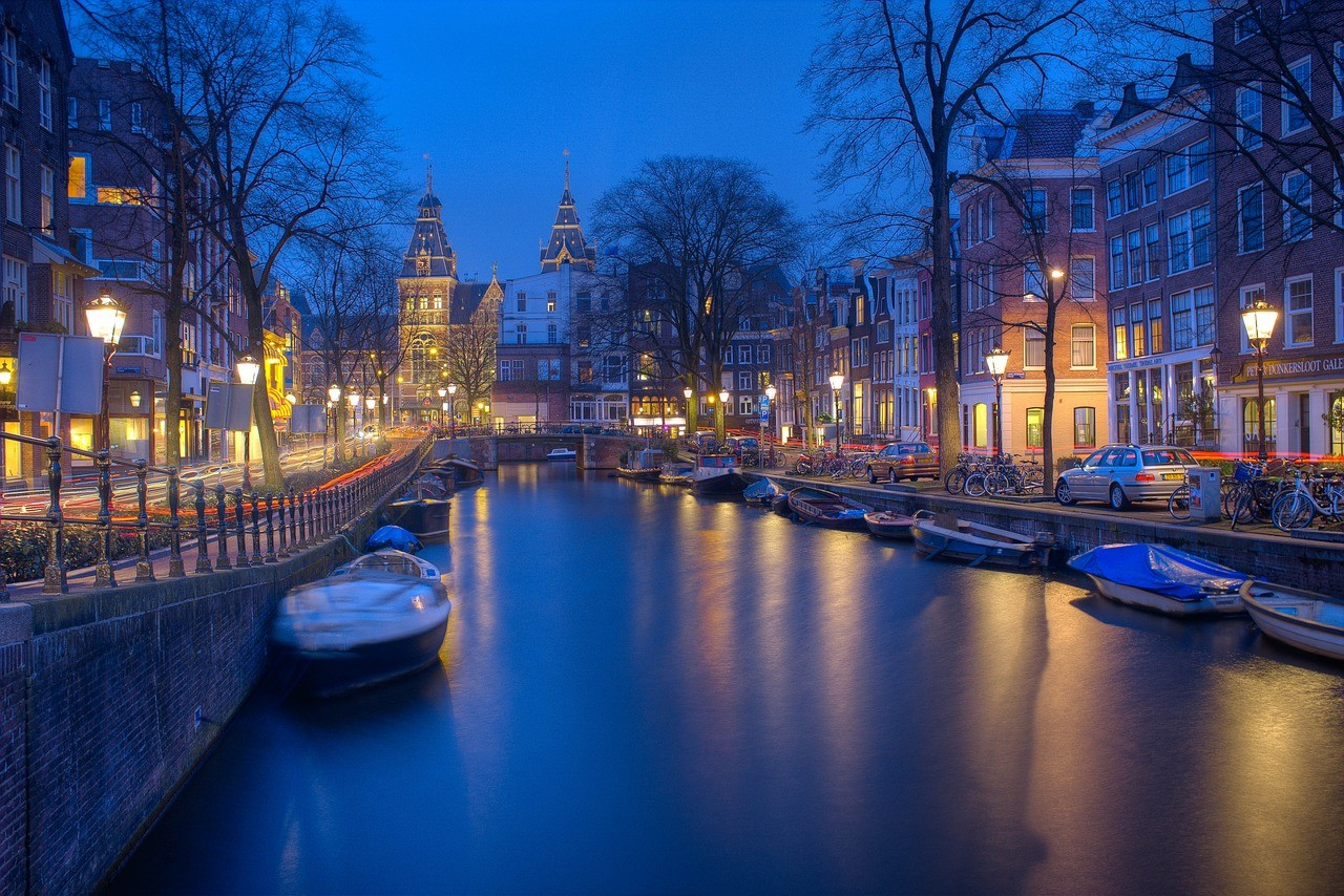 Flight Deal Round Trip From Los Angeles Area to Amsterdam #losangeles #amsterdam #extendedweekend