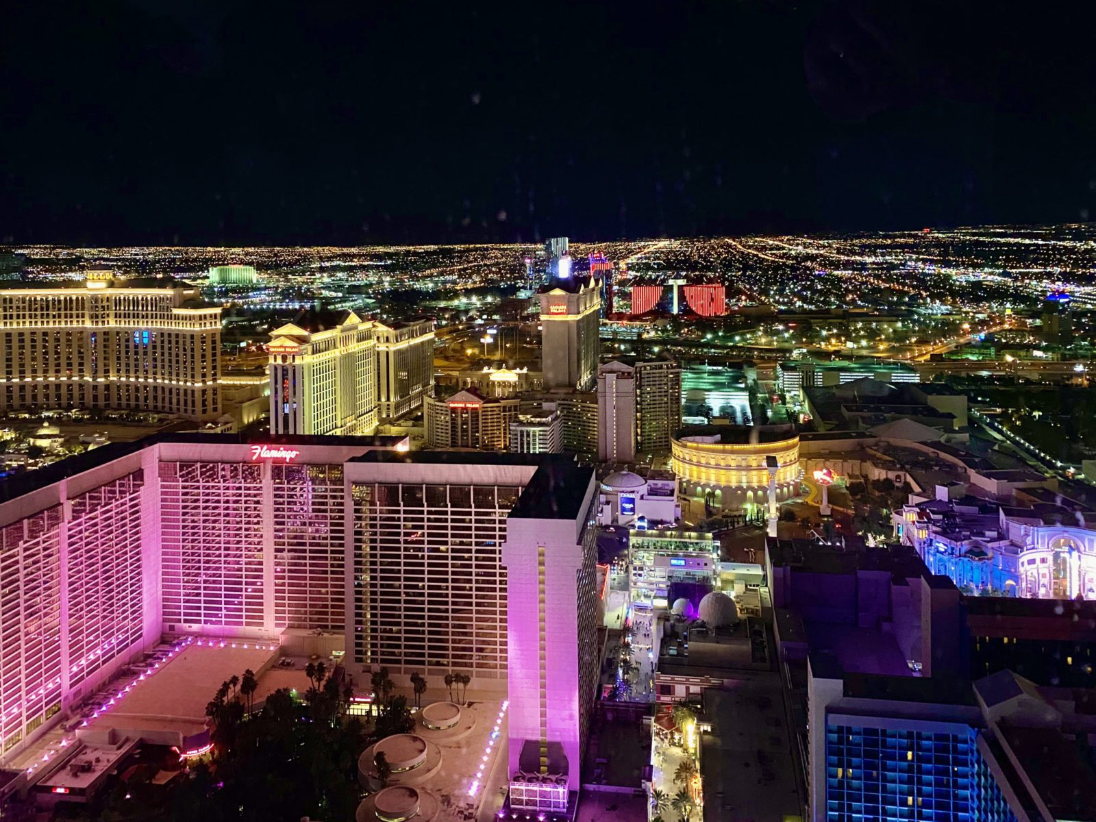 Flight Deal Round Trip From Chicago Area to Las Vegas #chicago #lasvegas #usholiday #veteransday